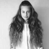 Black and White Veronika :: Evelina F