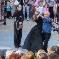 Вихрем закружит белый танец.... :: Олег Манаенков