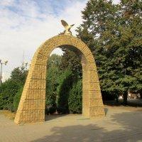 Батайск. Памятник городскому гербу :: Нина Бутко