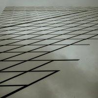 Угол куба стеклянного на дворцовой :: Антон Рыбкин