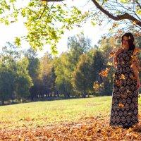 Осенняя прогулка :: Galya Voron