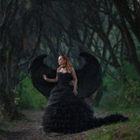 Black angel :: Ludmila Zinovina