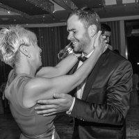 Танец мамы и сына :: Оксана Циферова