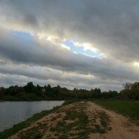 Ветер, осень, вечер... :: Владимир Павлов