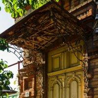 Фрагмент старого дома :: Константин Бобинский