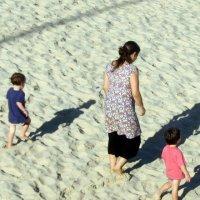 Тяжело идти по песку :: Герович Лилия