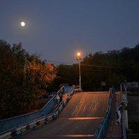 понтонный мост :: Владимир Безгрешнов