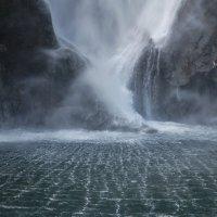 Водопад на Milford Sound :: Tatiana Belyatskaya