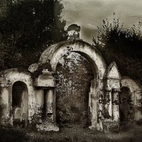 Кладбищенские ворота :: Алла ************