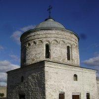 Николаевская церковь 16 в. :: Марина Домосилецкая