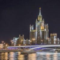 Высотка на набережной :: Марина Назарова