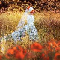 Девушка в белом платье :: Виктория Маркова