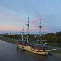 Вечер на берегу Волхова :: Константин