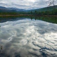 Горное озеро. Небо. :: Алексей Видов