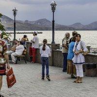 Крым. Коктебельская набережная. Вечереет :: Николай Ефремов