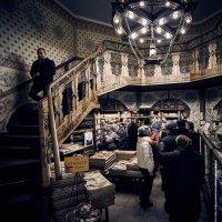 В монастырском магазине :: Игорь Иванов