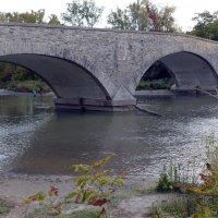 Рыбалка у старого моста (1916 г.) в Old Mill (Торонто) :: Юрий Поляков