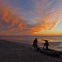 Северодвинск. Прогулка у моря. Солнце зашло, рыбалка закончена. Асимметричная версия :: Владимир Шибинский