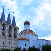 колокольня и церковь покрова Пресвятой Богородицы. :: Сергей Кочнев
