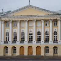 Северный корпус Присутственных мест (Губернское правление) в Ярославле :: Galina Leskova