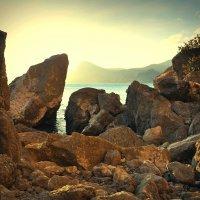 В руинах скалы. :: ОЛЕГ ПАНКОВ