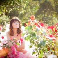 Девушка с цветами :: Катя Богомолова