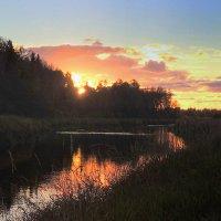 Закат купается в реке :: Павлова Татьяна Павлова
