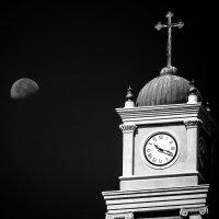 Башня церкви святого Петра в Яффо.Израиль. :: Александр Григорьев