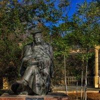 Памятник Шевченко Т.Г. :: Дмитрий Макаров