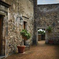 Старые коридоры Арагонского замка :: Андрей Крючков