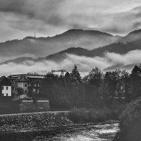 Туман в горах Леобена :: Екатерина Сафронова