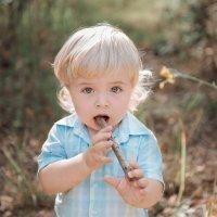 В детстве даже палочки как дудочки... :: Римма Гусакова