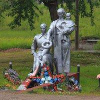 Братская могила :: Сергей Кочнев