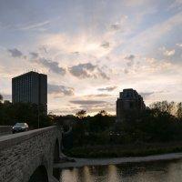 Мост через р. Хамбер вечером... :: Юрий Поляков