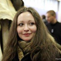 и скромно отвела глаза :: Олег Лукьянов