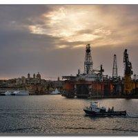 Вечером в порту Мальты. :: Leonid Korenfeld