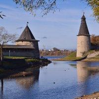 Псковские башни :: Наталья Левина