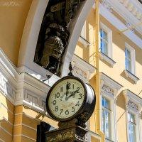 под Аркой Генштаба (Санкт-Петербург) :: Таta Alekseeva