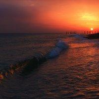 У закатной волны... :: Андрей Романов