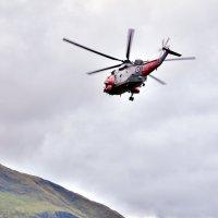 Спасательный вертолет на облете территории :: Максим Дорофеев