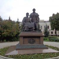 памятник зодчим в Казани :: людмила дзюба