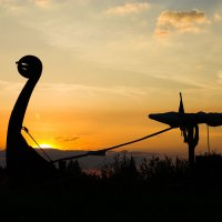 Ладья на фоне заката :: Сергей Козинцев