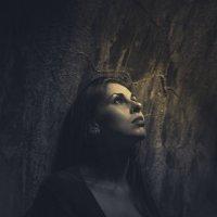 Юлия в подземелье :: Lyusine Ignatova