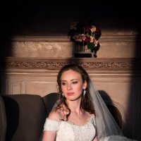 Невеста в лучах заходящего солнца :: Анастасия Митрофанова