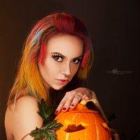 Polina with pumpkin :: Александр Матвеев