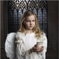 И только высоко, у Царских Врат, Причастный Тайнам,- плакал ребенок О том, что никто не придет назад :: Виктория Иванова