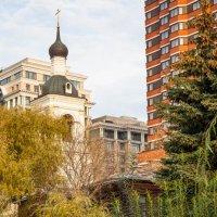 Осень в городе :: Александр Знаменский