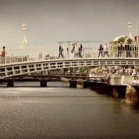 "Ha""penny Bridge-Dublin :: Natalee Pehenko"