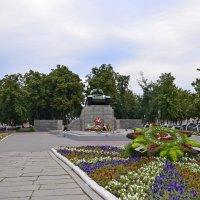 сквер танкистов в Орле :: владимир полежаев