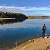 Река и рыбак :: Анатолий Иргл